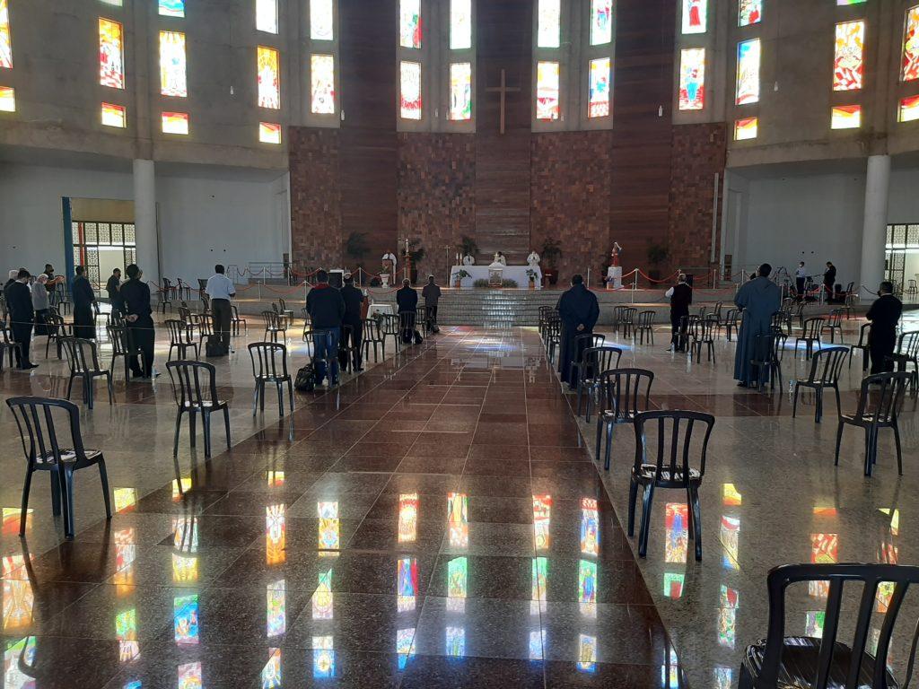 Clero Diocesano participa de momento de oração na Catedral em Luziânia
